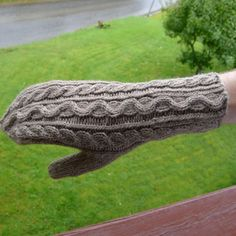 Lovely mittens and wristwarmers designed by me and codesigner MargotViste (ravel name)