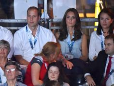 HIS HAND ON HER KNEE <3 Catherine Duchess of Cambridge and Prince William Duke of Cambridge.