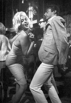 jayne mansfield dancin' at the whiskey a -go-go in the 60's