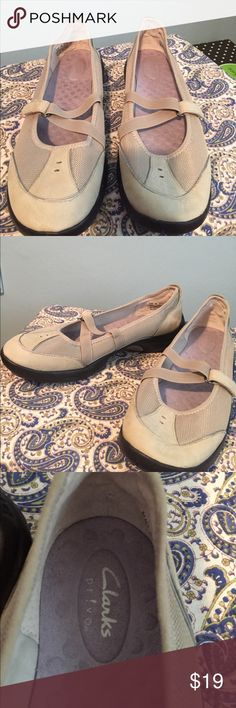 Clarks Privo in Nude Excellent Condition-Never Worn. Clarks Privo. Great Comfort Shoe. Nude, Off White Nubuck and Fabric Exterior. Size 9M. Clarks Shoes Sneakers