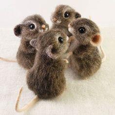 #Needlefelted #needlefelting #felt #feltoon #handmade #Wool #felting #felted #handcraft #animal #animals #wooltoys #کچه #دست_سازه #هنر #الیاف #فرشته #پشمی #هنرمند #سوزن_کچه #عروسک #تزیینی #مینیاتوری #Keçe #Güzel #Gülünç #sanat #Dikmek