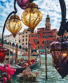 Beautiful Venice Italy. Earth Pictures™  ✈✈✈ Don't miss your chance to win a Free Roundtrip Ticket to Verona, Italy from anywhere in the world **GIVEAWAY** ✈✈✈ https://thedecisionmoment.com/free-roundtrip-tickets-to-europe-italy-verona/