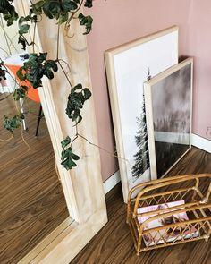 Pink Livingroom 'Piment by History'... https://mrsheutinck.nl/livingroom-opgefrist-met-een-nieuw-kleurtje/
