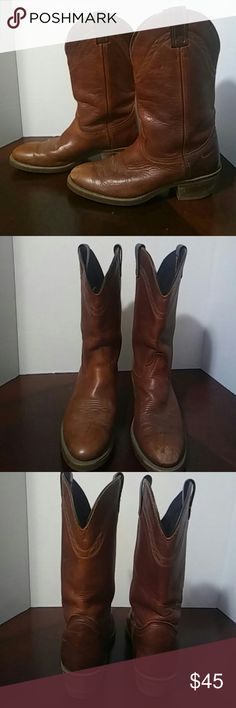 Men's Sz 8.5, Women's sz 10, Laredo Cowboy Boots Very nice, thick leather boots made by Laredo. Men's size 8.5, fits women's size 10.... 1 inch heel. So cute and perfect dressed up or down! Laredo Shoes Cowboy & Western Boots
