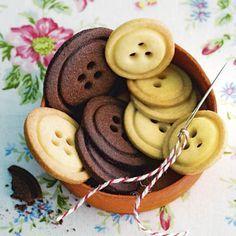 Knopfkekse - Food and drink - Food Rezepte Biscuit Cookies, Biscuit Recipe, Cake Cookies, Sugar Cookies, Button Cookies, Christmas Sweets, Christmas Cookies, Biscuits, Galletas Cookies