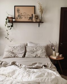 20 Neutral Bedroom Design and Decor Ideas to Add Simplicity and Charm to Your Bedroom - The Trending House Dream Bedroom, Home Bedroom, Bedroom Decor, Bedroom Ideas, Bedroom Inspo, Bedroom Small, Master Bedroom, Bedroom Inspiration, Neutral Bedrooms