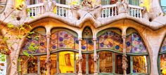 4 Hour Private Gaudi Tour with Private Vehicle in Barcelona