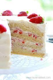 Strawberries and Cream Layer Cake :: Lauren's Latest (Layer Cake Fraise) Homemade Strawberry Cake, Strawberry Cream Cakes, Strawberry Cake Recipes, Strawberries And Cream, Cupcake Recipes, Baking Recipes, Strawberry Filling, Strawberry Banana, Cupcakes