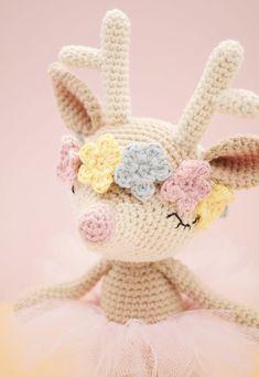 Amigurumi crochet pattern (English) - Ginger the reindeer / deer : try this head Crochet Patterns Amigurumi, Amigurumi Doll, Crochet Dolls, Crochet Crafts, Crochet Projects, Tulle Rolls, Kawaii Crochet, Crochet Animals, Crochet Deer