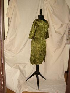 back COCKTAIL DRESS  Brocade in Metallic  Gold 1950 / Dietro ABITO DA COCKTAIL Broccato in lamè dorato - 1950