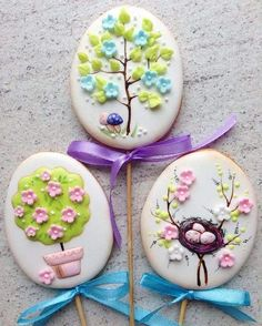 Easter Cookies are the best way to spread the festive cheer. Here are the best Easter cookies ideas & Easter cookie decorating inspiration for you to try. Sprinkle Cookies, Fancy Cookies, Iced Cookies, Cupcake Cookies, Sugar Cookies, Cookies Et Biscuits, Cookie Favors, Heart Cookies, Cute Cookies