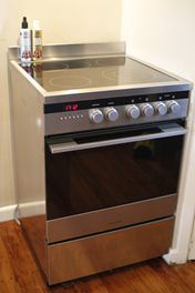Fisher & Paykel 60cm oven + ceramic hob
