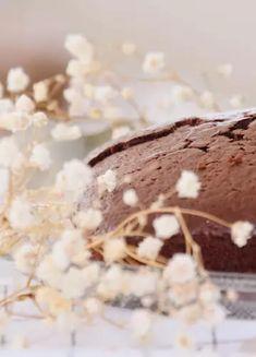 Szybkie ciasto czekoladowe bez mąki, które zrobisz z pięciu składników | Ofeminin