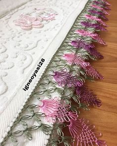 Yeni setimize basladik 😍😍 . . . . #iğne #iğneoyası #havlukenarı #havlu #keşfet #keşif #kesfetteyiz #ceyiz #çeyizhazırlığı #düğündernek… Seed Bead Tutorials, Beading Tutorials, Knitted Poncho, Knitted Shawls, Baby Knitting Patterns, Knit Shoes, Crochet Needles, Needle Lace, Lace Making