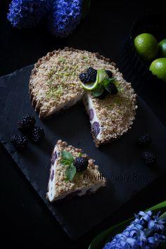Raw Vegan Blackberry Cake from Deviliciously Raw