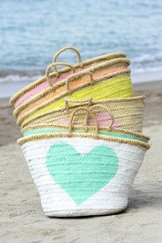 Pack up your essentials in a stylish Moroccan wicker basket and head over to the nearest Summer Of Love, Summer Fun, Summer Time, Summer Bags, Ibiza Fashion, I Love Heart, Color Heart, Basket Bag, Rope Basket