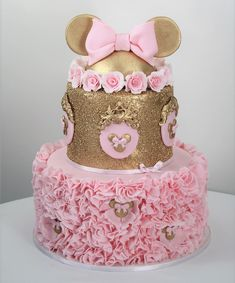 Mini Mouse Birthday Cake, Mini Mouse Cake, Minnie Mouse Birthday Decorations, Minnie Mouse Theme Party, Minnie Mouse First Birthday, Minnie Mouse Baby Shower, Gold Birthday Cake, Mickey Birthday, Birthday Cake Girls