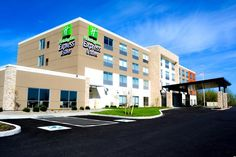 Aurora (IL) Holiday Inn Express & Suites Oswego United States, North America Set in a prime location of Aurora (IL), Holiday Inn Express & Suites Oswego puts everything the city has to offer just outside your doorstep. The hotel offers guests a range of services and amenities designed to provide comfort and convenience. Service-minded staff will welcome and guide you at the Holiday Inn Express & Suites Oswego. Each guestroom is elegantly furnished and equipped with handy ameni...