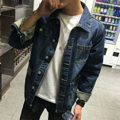 Mens Fashion Night Out Outfits Hombre, Mens Fashion, Fashion Outfits, Guy Outfits, Fashion Edgy, Fashion Ideas, Denim Jacket Men, Fashion Night, Look Cool
