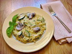 Spaghetti Squash Alfredo (vegan, paleo)   #ThatGlutenFreeGirl