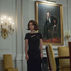 In her latest movie 'Jackie', the gorgeous House muse Natalie Portman plays the role of the First Lady Jacqueline Kennedy, here wearing a beautiful Dior dress. #Jackie