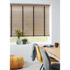 - Shutter for the window - Room Makeover, Home Decor Inspiration, House Design, Blinds Design, New Homes, Home Decor, House Interior, Wooden Blinds, Interior Design Living Room