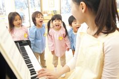 Gettin' Musical: 5 Great Songs for Teaching ESL to Kids. Results show that varying degrees of the use of songs produced differential English language achievement.  Specifically, the subjects who were exposed to the most music obtained higher achievement.  Integrating experiences with music in the early childhood classroom supports English language learners' literacy development as well. References: Li, X., & Brand, M., 2009. Paquette, K. R., & Rieg, S. A., 2008. Pinned by Kara Wellons, Fall…