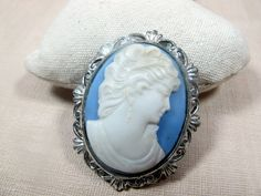 Check out this item in my Etsy shop https://www.etsy.com/listing/212187810/vintage-1970s-cameo-brooch