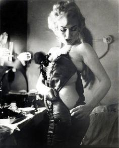 Curvy girl Marilyn Monroe