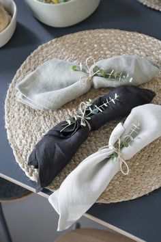 Se Søstrene Grenes nye kollektion By using twigs or flowers in your table setting, it adds a nice touch of. Table Setting Inspiration, Wedding Decorations, Table Decorations, Wedding Ideas, Napkin Folding, Futuristic Furniture, Wedding Table Settings, Elegant Table Settings, Wedding Napkins