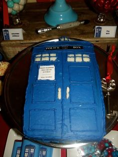 Tardis cake at a Doctor Who Birthday Party! See more party ideas at… Doctor Who Birthday, Doctor Who Party, 12th Birthday, Birthday Fun, Birthday Parties, Birthday Ideas, Birthday Cake, Doctor Who Cakes, Tardis Cake