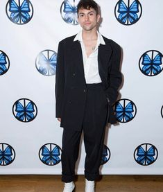 Mitch Grassi Height m, Weight kg. See his all girlfriends' and boyfriends' names and biography. Mitch Grassi, Clothes Encounters, Pentatonix, Height And Weight, Beautiful Smile, Cute Photos, Make Me Smile, Celebs, Celebrities
