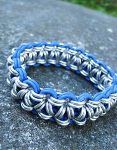 Items similar to Blue and Silver Thick Chainmaille Bracelet on Etsy Jewelry Crafts, Jewelry Art, Jewelry Design, Fashion Jewelry, Wire Wrapped Jewelry, Metal Jewelry, Beaded Jewelry, Maille Viking, Chainmail Patterns