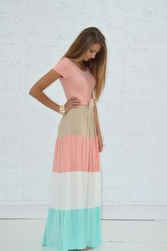 Color Block Maxi Dress So cute and modest From My Sister's Closet Love this modest outfit! I'm in love with this color pallet! Fashion Mode, Modest Fashion, Street Fashion, Dress Fashion, Fashion 2015, Ladies Fashion, Catwalk Fashion, Fashion Heels, Japan Fashion