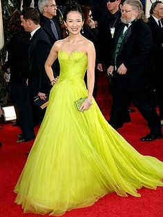 Speaking of award show dresses, this was one of my all-time favorites! Ziyi Zhang wore it when Memoirs of a Geisha was nominated! Love the color! Chartreuse Wedding, Chartreuse Color, Green Wedding, Summer Wedding, Award Show Dresses, Handmade Skirts, Skirt Tutorial, Mellow Yellow, Beautiful Gowns