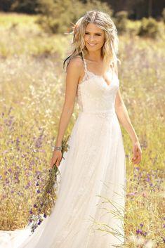 94210eef5114 Bruidsmodetrends voor 2019 in de nieuwste Ladybird collectie - Top  Trouwbedrijven Elegant Brudklänning, Rosa Clara