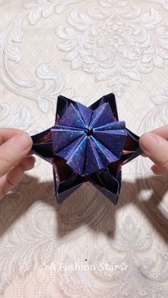 Variety Stars Paper DIY ✰A Fashion Star✰ Diy Paper Crafts diy paper arts and crafts Origami Diy, Origami Simple, Paper Crafts Origami, Diy Paper, Origami Ideas, Origami Folding, Origami Tutorial, Paper Folding Crafts, Origami Cards
