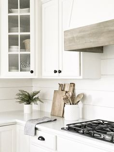 Kitchen vent hood - My favorite neutral paint colors and stains – Kitchen vent hood Farmhouse Style Kitchen, Modern Farmhouse Kitchens, Modern Farmhouse Style, White Kitchens, Farmhouse Ideas, Farmhouse Decor, Open Kitchens, Diy Kitchens, Kitchen Modern