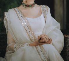 Pakistani Fashion Casual, Pakistani Wedding Outfits, Pakistani Bridal Dresses, Indian Fashion Dresses, Pakistani Dress Design, Indian Designer Outfits, Bridal Outfits, Indian Outfits, Stylish Dresses For Girls