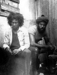 *Bob Marley* & Alan 'Skill' Cole 1974. More fantastic pictures, music and videos of *Bob Marley* on: https://de.pinterest.com/ReggaeHeart/