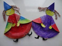 Aujourd'hui, mes filles ont réalisée une sorcière avec une assiette en carton... j'ai découpé dans du carton d'emballage une tête, un chapeau, des mains et des chaussures...  Après la peinture de ...