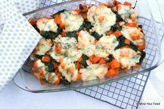 zoete aardappelschotel met spinazie en kip