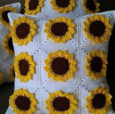 Image Article – Page 764978686680902657 Crochet Home, Diy Crochet, Crochet Crafts, Yarn Crafts, Crochet Projects, Diy Crafts, Crochet Square Patterns, Crochet Squares, Crochet Designs