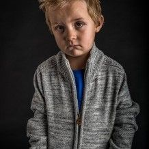 Portrait photo and lighting setup with Strobe, Softbox and Octobox by Daniel Pero (1/250 sec., f/8, ISO: 100)