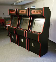 Just three coin-op arcade games machines Arcade Game Room, Arcade Game Machines, Arcade Machine, Arcade Games, Gaming Cabinet, Arcade Cabinet Plans, Video Game Rooms, Video Games, Geek Furniture