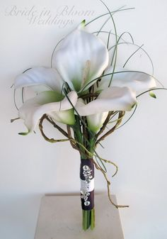 Silk Wedding bouquet White calla lily by BrideinBloomWeddings. I really like the whimsical twigs :) Silk Wedding Bouquets, Bride Bouquets, Flower Bouquet Wedding, Bridesmaid Bouquet, Floral Wedding, Wedding Beauty, Dream Wedding, Calla Lily Bouquet, Calla Lilies