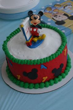 Super Cute First Birthday Cakes