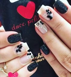 Black and white nails Toe Nail Art, Toe Nails, Acrylic Nails, Fabulous Nails, Perfect Nails, Finger, Nail Decorations, Flower Nails, White Nails