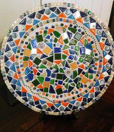 Mosaic Tile Designs, Mosaic Tile Art, Mosaic Artwork, Mosaic Diy, Mosaic Crafts, Mosaic Patterns, Mosaic Glass, Mosaic Birdbath, Mosaic Garden Art