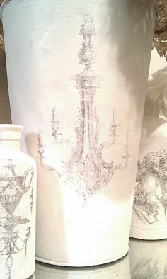 white vase trio